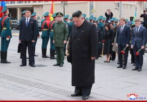 Supreme Leader Kim Jong Un Lays Wreath before Monument to Military Glory